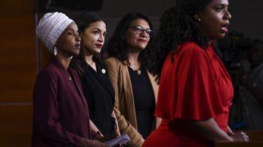 "Les quatre membres du ""Squad"" (I. Omar, A. Pressley, A. Ocasio-Cortez, et R.Tlaib) à Washington, le 15 juillet 2019"