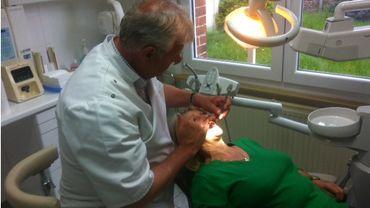 Un adulte sur deux ne va pas chez le dentiste chaque année