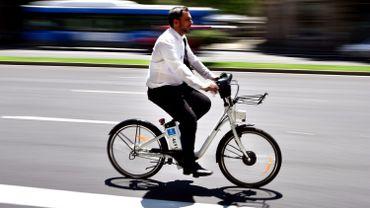 Les vélos équipés d'une assistance électrique qui se coupe au-delà de 25 km/h sont, eux, autorisés à circuler lors de cette journée sans voiture.