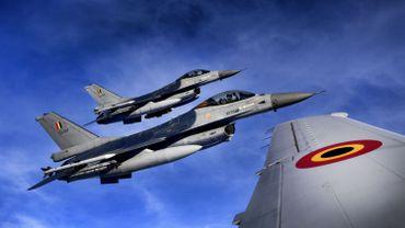 Frappes US en Syrie: pas de décision de suspension des vols des F-16 belges