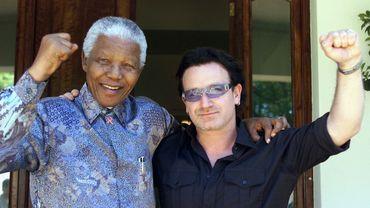 Nelson Mandela et Bono, en 2002