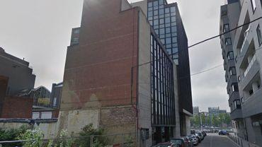 Le feu s'est déclaré ce lundi dans un bâtiment situé au numéro 2 de la rue des Fories, à Liège.