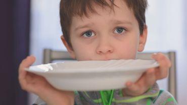 """""""Je dis que je n'ai plus faim pour que maman puisse manger aussi..."""""""