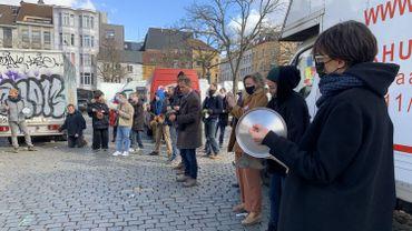 Bruxelles: des bruits de casseroles pour la réouverture du marché aux puces de la place du Jeu de Balle