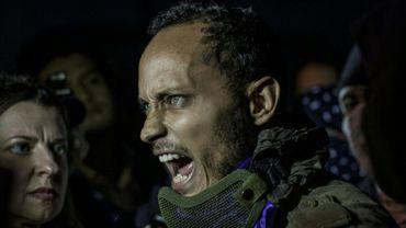 Oscar Perez, le policier pilote d'hélicoptère accusé d'avoir tenté un coup d'Etat contre le régime du président Maduro, est apparu en public le 13 juillet 2017 à Caracas, dans le cadre d'une manifestation de l'opposition