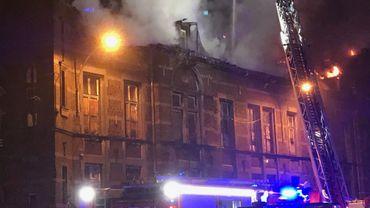 L'hôpital de Bavière ravagé par les flammes cette nuit en région liégeoise