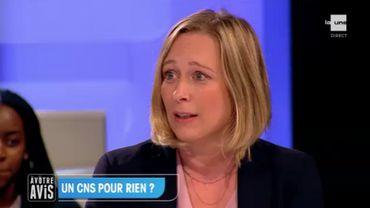 Bénédicte Linard : « Le but est de fermer les écoles et les classes le moins possible »