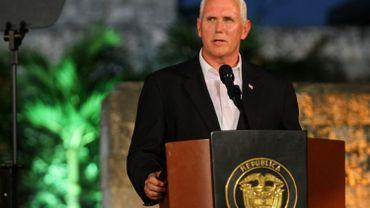 """Charlottesville: le vice-président condamne """"la violence des suprémacistes blancs"""""""
