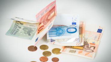 Indexation des allocations sociales et des salaires dans la fonction publique, peut-être pour septembre