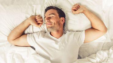 """Avancer l'heure de coucher et de lever de 2h pourrait augmenter la productivité des """"lève-tard""""."""