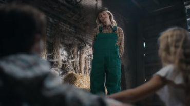 Capture d'écran du clip d'Angèle