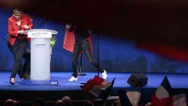 Zénith de Paris, le 17 avril 2017, juste après l'irruption d'une militante femen