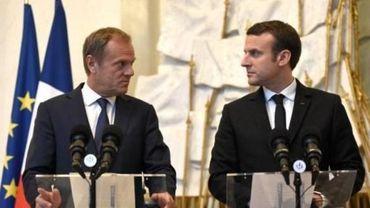 """Macron compte sur Tusk pour aller """"plus loin"""" dans """"la refondation"""" de l'Europe"""