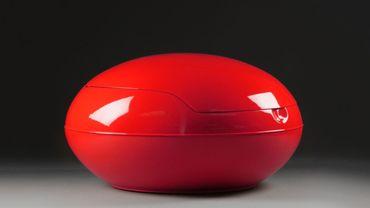 Garden Egg Chair, Red