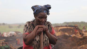 """""""Souvent, on tousse, on a des maux de tête à cause de la fumée"""", témoigne Fanta Cissé."""