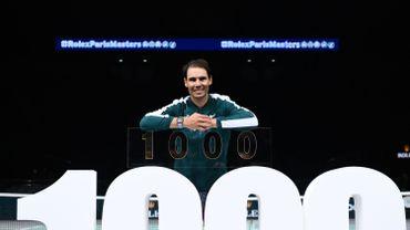 Rafael Nadal remporte son 1000e match sur le circuit et file en 8es de finale à Paris