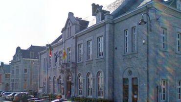 Une trentaine de personnes ont dû évacuer l'Hôtel de Ville.