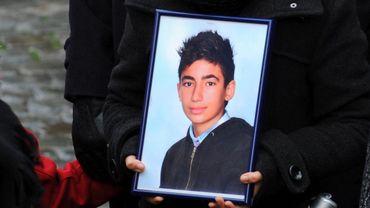 La photo de Nathan Mehdi lors de la cérémonie du 20 décembre 2011, une semaine après la tuerie de Liège