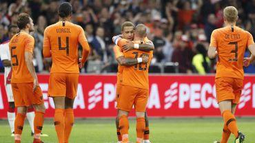 Les Pays-Bas remontent le Pérou et remercient Sneijder, la Croatie et le Portugal partagent