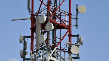 Des antennes de télécommunications sur une pylône à Toulouse, le 1er mars 2017