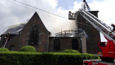 Incendie à l'église de Mont-Sainte-Geneviève