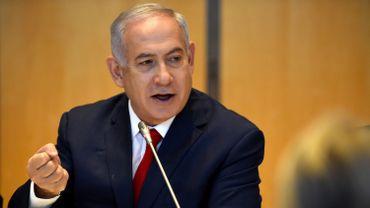 """Conflit en Syrie: le régime de Bachar al-Assad """"n'est plus à l'abri"""" de représailles, dit Netanyahu"""
