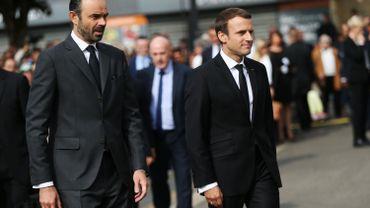 Emmanuel Macron voit sa popularité baisser de sept points en un mois et est désormais devancé par son Premier ministre.