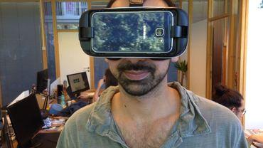 Le casque virtuel équipé du smartphone