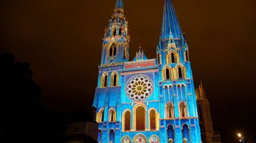 Le portail royal la Cathédrale s'illuminera de bleu