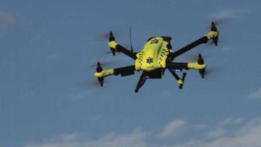 Un drone d'urgence pour livrer des défibrillateur en quelques minutes