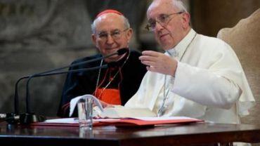 """Le pape veut trouver """"une autre voie"""" pour les divorcés remariés"""