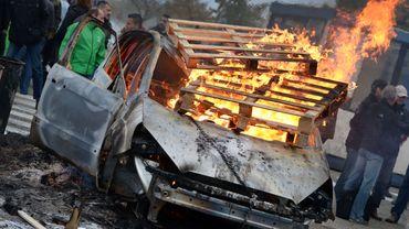 Ford incendiée