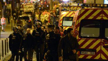 Au total, il y a eu 6 attaques simultanées et manifestement coordonnées vendredi soir entre 21 et 22h.