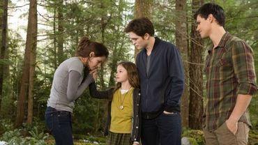 """""""Twilight, chapitre 5 - Révélation - 2e partie"""" poursuit sa domination mondiale."""