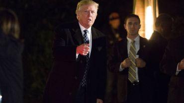 Trump critique la politique militaire et des changes de la Chine