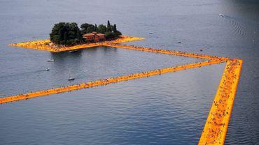 Sur le lac d'Iseo, des milliers de personnes sur les passerelles de Christo