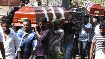 """Le Sri Lanka revoit à la baisse, le bilan des attentats: """"Les victimes ont été terriblement mutilées et certaines ont été comptées 2 fois"""""""