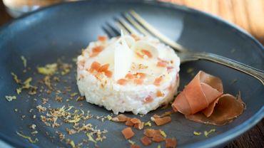 Jambon Consorcio serrano, riz rond cuisiné aux châtaignes grillées et manchego