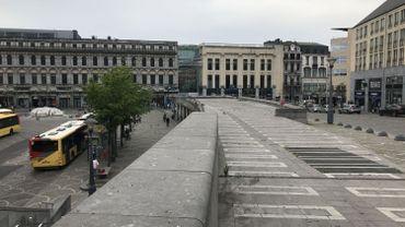 Parmi les propositions à l'étude, un vaste parking à vélo, sur cet espace inutilisé devant le palais des princes-évêques