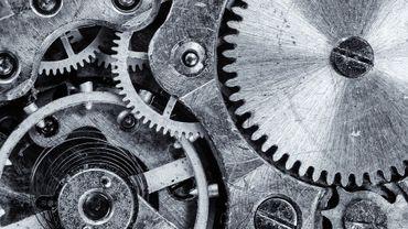 """"""" Le pire poste dans une usine c'est celui face à une horloge """""""