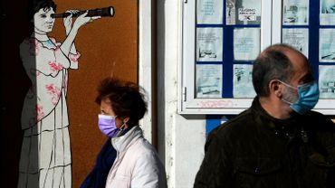 Coronavirus : l'Espagne suspend une loi régionale qui rendait la vaccination obligatoire
