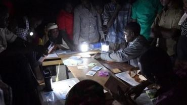 Le président Mahamadou Issoufou, qui brigue un second mandat, a promis une victoire au premier tour. L'opposition estime que c'est impossible.