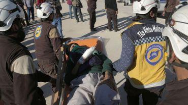 """Selon les Casques blancs syriens des dizaines de personnes ont été tuées à Douma dans une attaque aux """"gaz toxiques""""."""