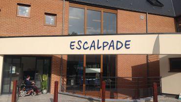 Par mesure de précaution, les enfants qui fréquentent l'école fondamentale d'enseignement spécialisé Escalpade ont été évacués et accueillis dans une propriété voisine.