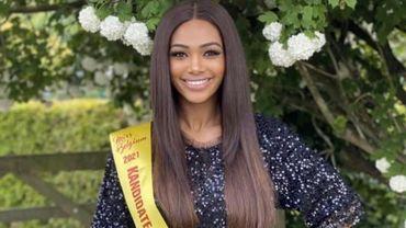 Le spectacle de gala ayant eu lieu sans public, épidémie de coronavirus oblige, l'organisation a fourni une toute nouvelle couronne à la nouvelle Miss Belgique.