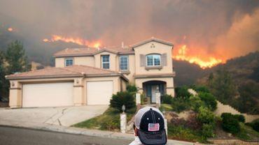 """L'incendie """"Holy"""" brûle près de Lake Elsinore (Californie), le 9 août 2018"""