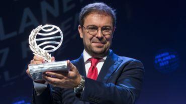 """Javier Sierra a décroché dimanche le 66e Prix Planeta, le prix littéraire le plus important du monde hispanique, pour son roman """"El fuego invisible"""" (""""Le feu invisible"""")"""