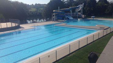 Piscines en plein air ferm es une occasion manqu e for Chevetogne piscine