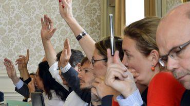 La commission du Sénat a adopté la scission de l'arrondissement électoral de Bruxelles-Hal-Vilvorde