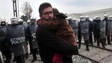 Route des Balkans: les autorités infligent violences et violations du droit aux réfugiés